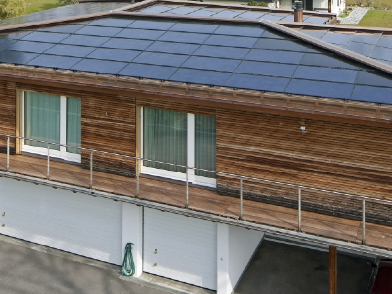 roof-mounted-solar-panels-solar-roof